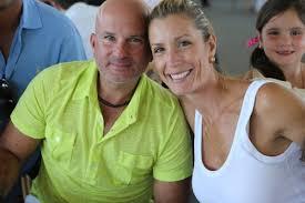 Carolina Mirabal y su esposo