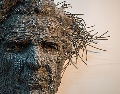 El gran escultor rumano Darius Hulea