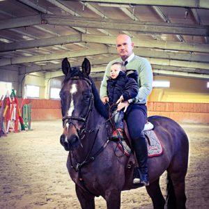 Gustavo-Mirabal-hijo-caballo