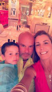 Gustavo Mirabal y su familia