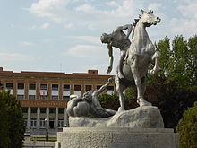 La estatua del caballo maltratado de Ciudad Universitaria